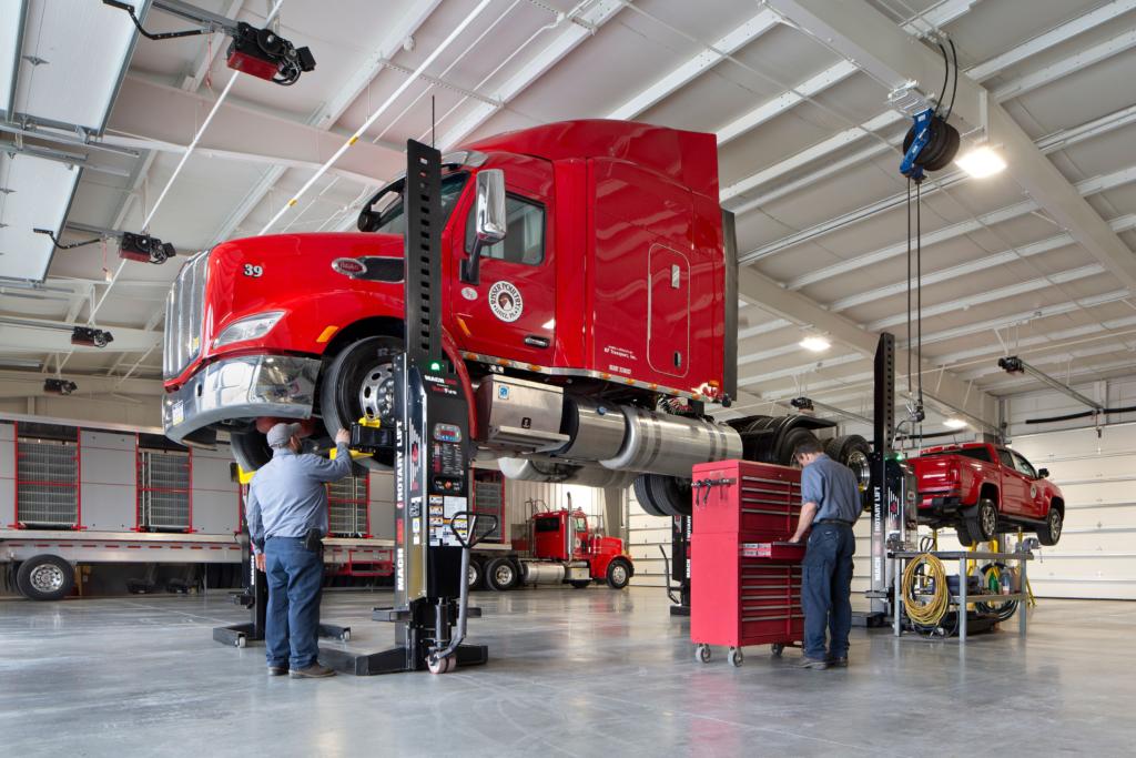 Automotive Lifts Fleet Service Equipment Turner Hydraulics